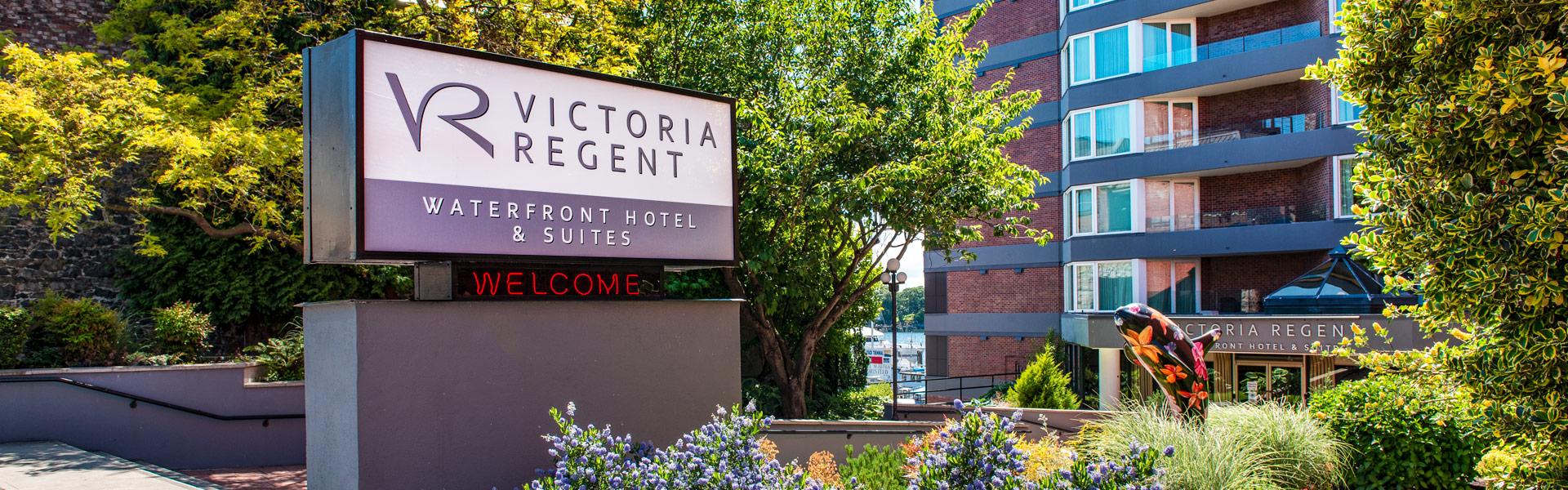 Victoria Regent Hotel Entrance